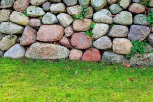 Steinmauer Feldsteine